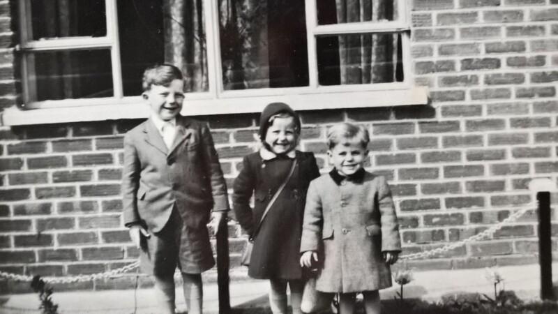 Robert Walton and his siblings